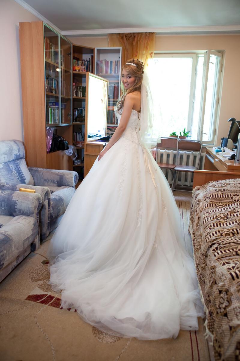 Продаю свадебное платье одежда