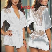 Белый халат с кружевным вырезом на спине F4026-2-