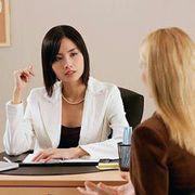 Сотрудник с юридическим образованием в офис