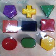 Деревянная игрушка геометрические фигуры на рамке 46393