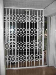 Раздвижные алюминиевые решетки на окна и двери