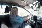 Инструктор по вождению  женщина