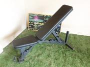 Распродажа спортивного оборудования: скамьи для жима кроссфит.