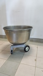 Дежи (Дежа 140 литров) из угл. стали ,  чугунная каретка