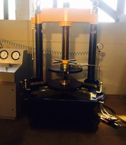 Стенд для гидравлических и пневмо испытаний трубопроводной арматуры