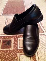 Недорогая подростковая обувь для мальчика.