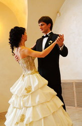 Индивидуальные занятия танцами Свадебный Вальс,  Латино в Алматы